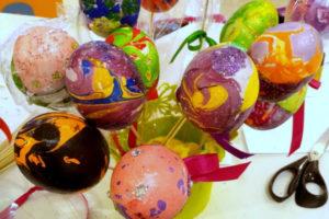 Пасхальные мастер-классы, мастер-класс к Пасхе, чудные штуки, декор яиц, украшение пасхальных яиц, декупаж яиц, пасхальный мастер-класс, пасха для детей, Марморирование. Мастер-классы для детей, чудные штуки