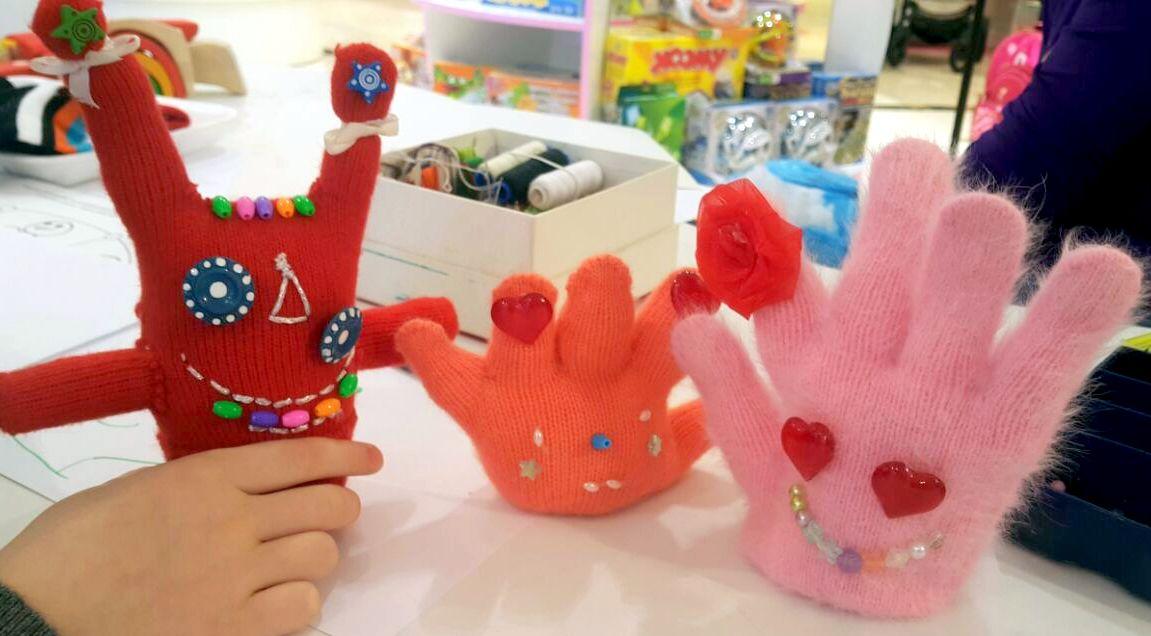 игрушки из перчаток, чудные штуки, монстрики на Хэллоуин