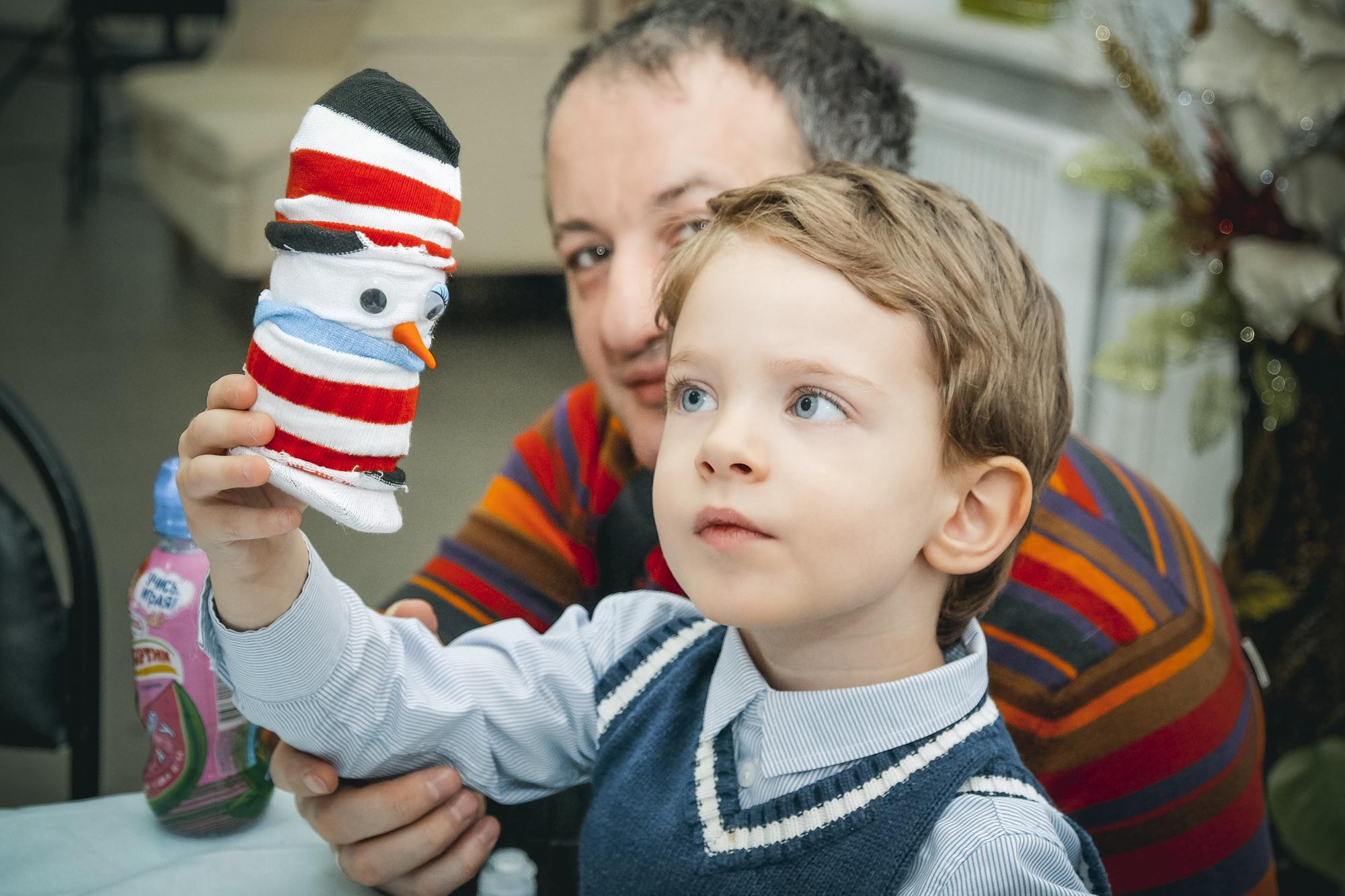 Снеговички из носочков. Новогодний мастер-класс