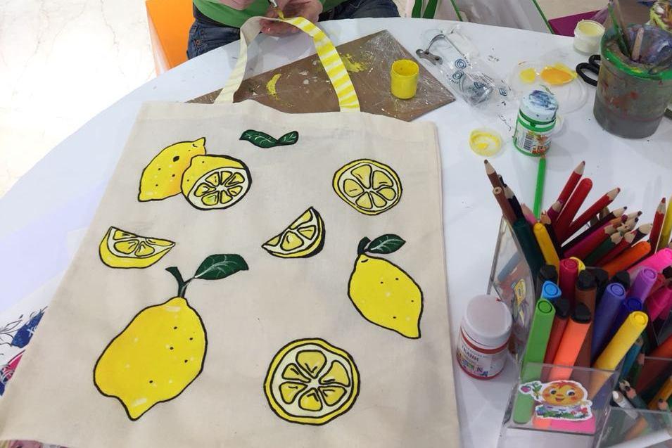 Шоппер своими руками, роспись шопперов, роспись экосумок, мастер-класс для детей, чудные штуки, чудная мастерская